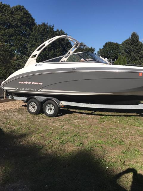 2015 Yamaha 242 Limited S in Hampton Bays, New York