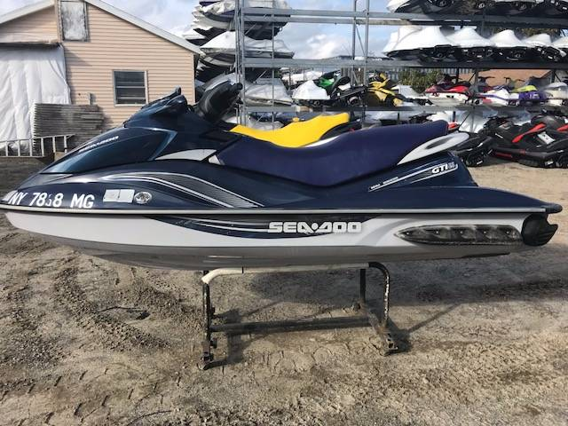 2010 Sea-Doo GTI™ SE 130 in Hampton Bays, New York
