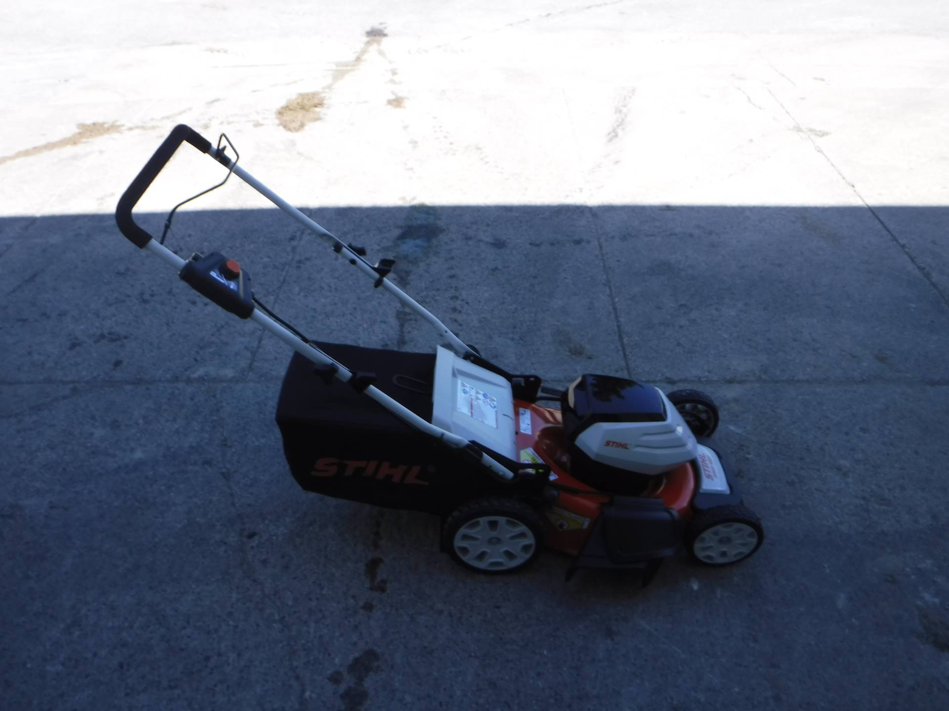 Stihl RMA 460 Lawn Mower in Mazeppa, Minnesota - Photo 2