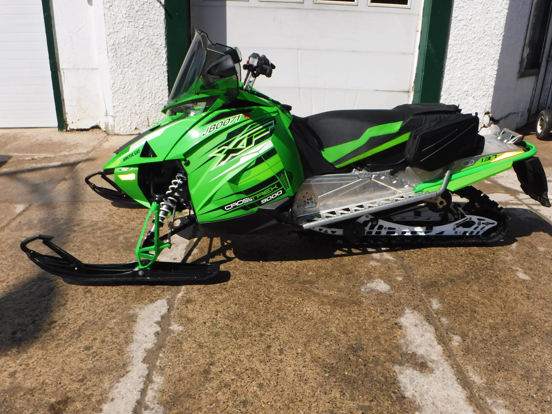 2017 Arctic Cat XF 9000 CrossTrek 137 in Mazeppa, Minnesota - Photo 3