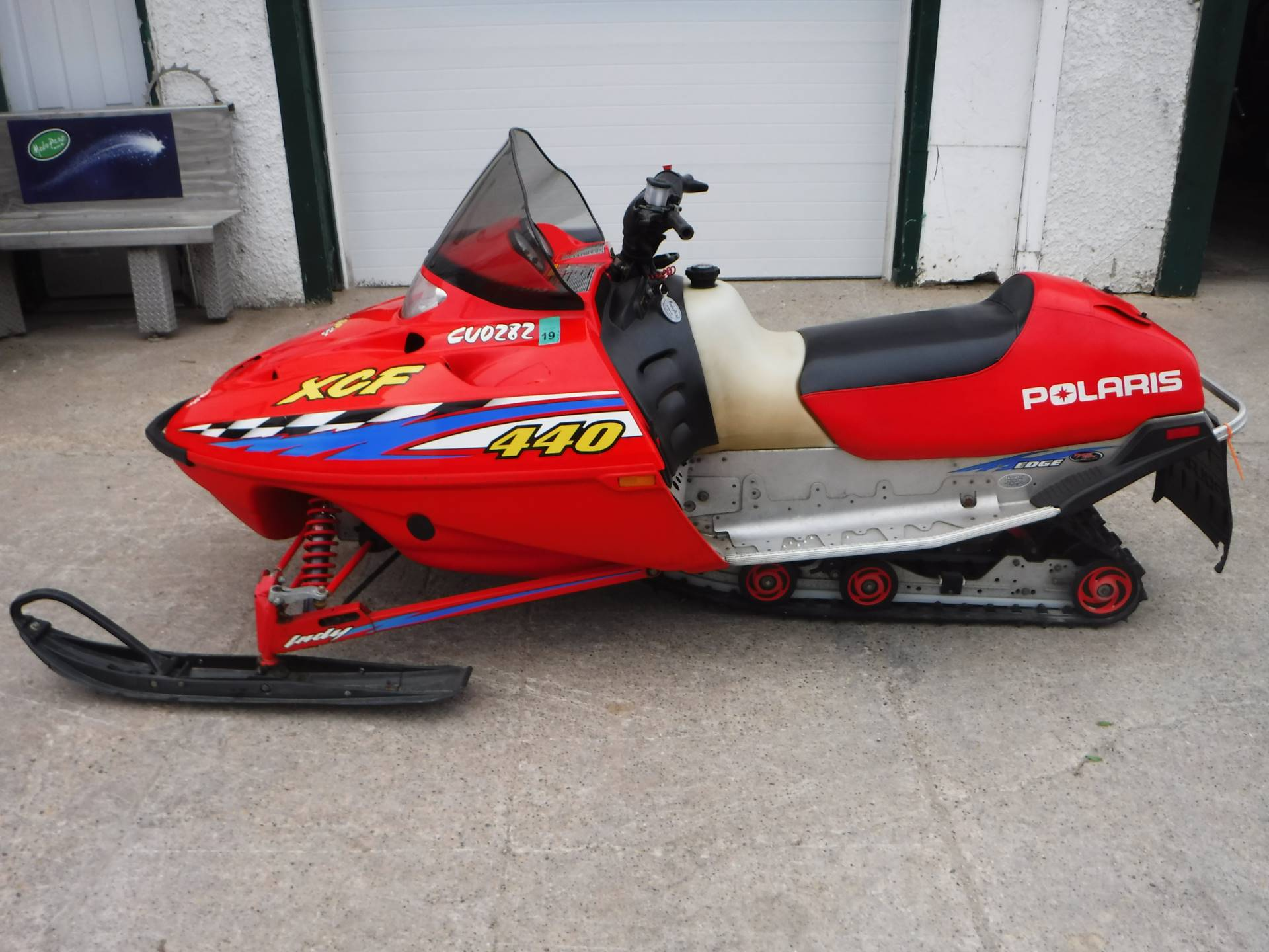 2001 Polaris Indy XCF SP in Mazeppa, Minnesota