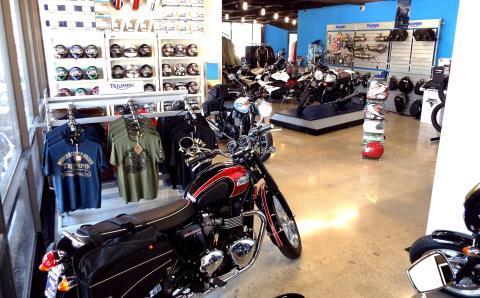 2016 Triumph Daytona 675 R ABS in San Bernardino, California