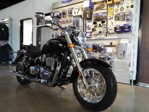2016 Triumph America Phantom Black in San Bernardino, California