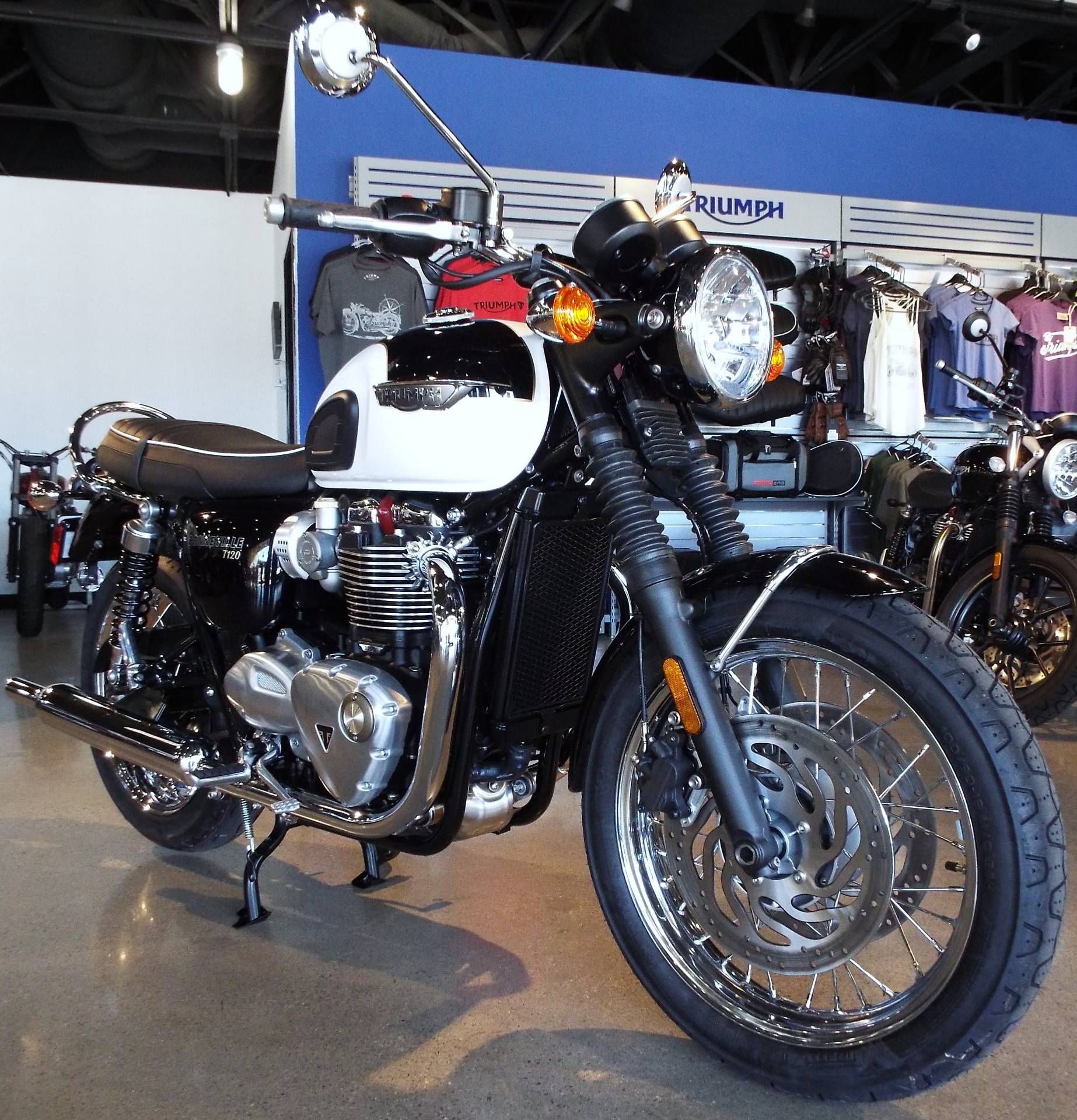 new 2017 triumph bonneville t120 motorcycles in san bernardino ca. Black Bedroom Furniture Sets. Home Design Ideas