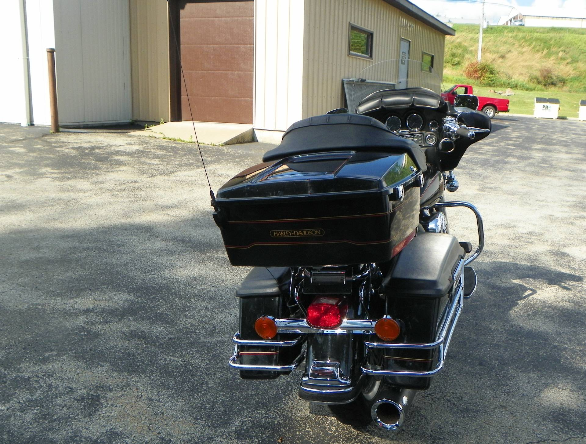 2002 Harley-Davidson FLHTC/FLHTCI Electra Glide® Classic in Johnstown, Pennsylvania - Photo 6