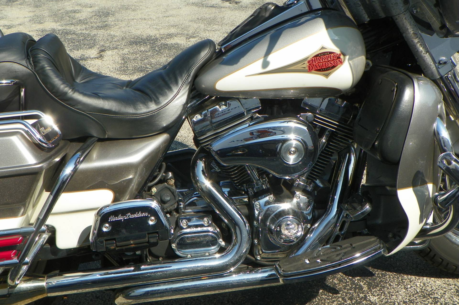 2000 Harley-Davidson FLHTCUI Ultra Classic® Electra Glide® in Johnstown, Pennsylvania - Photo 2