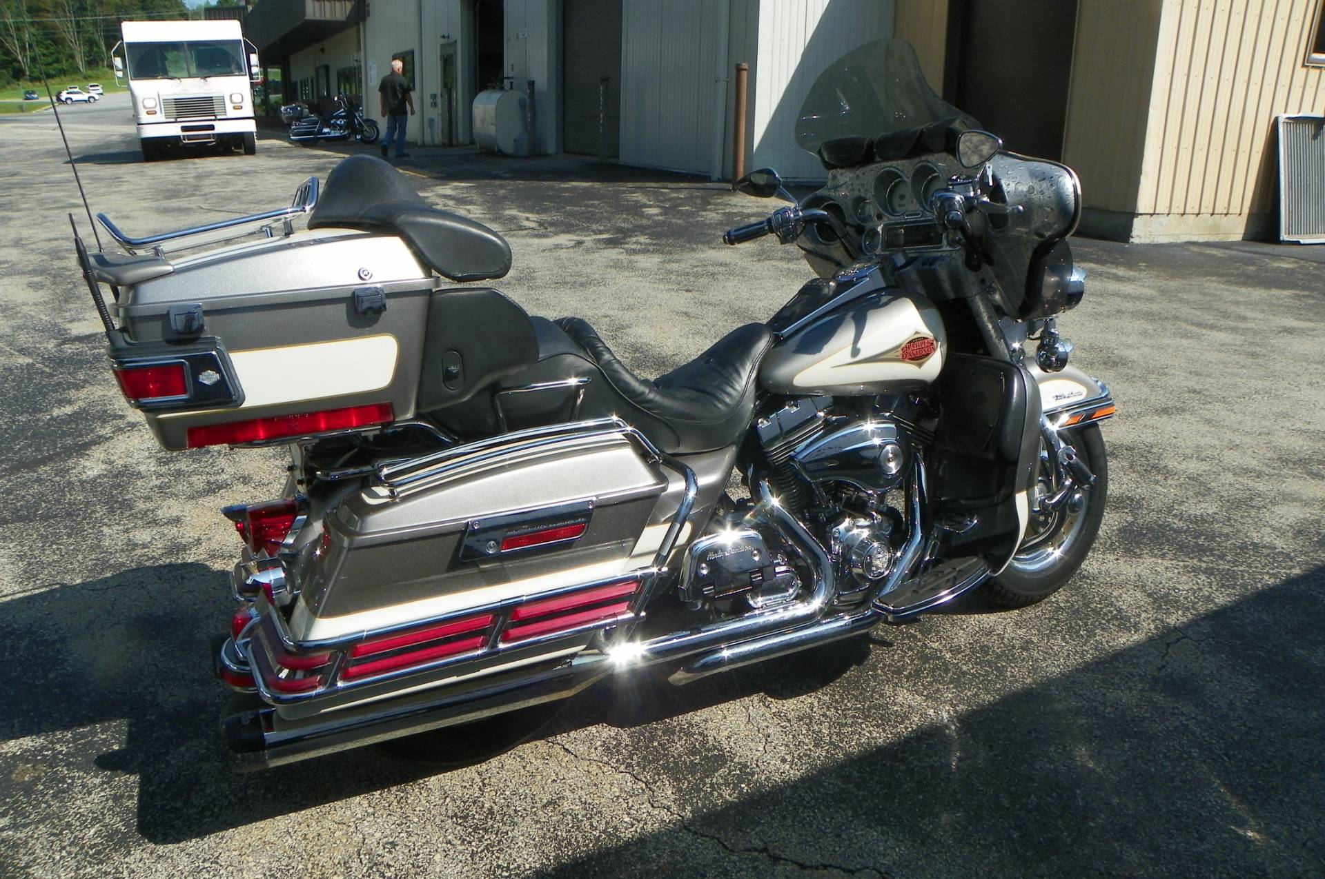 2000 Harley-Davidson FLHTCUI Ultra Classic® Electra Glide® in Johnstown, Pennsylvania - Photo 3
