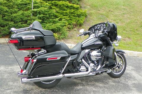 2015 Harley-Davidson Electra Glide® Ultra Classic® Low in Johnstown, Pennsylvania