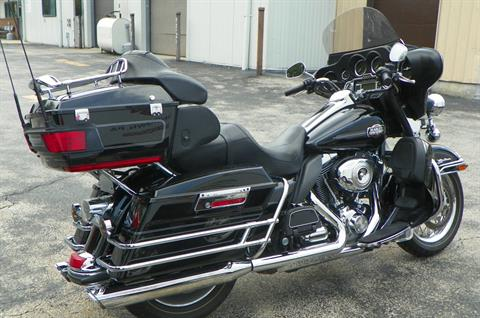2010 Harley-Davidson Ultra Classic® Electra Glide® in Johnstown, Pennsylvania - Photo 4