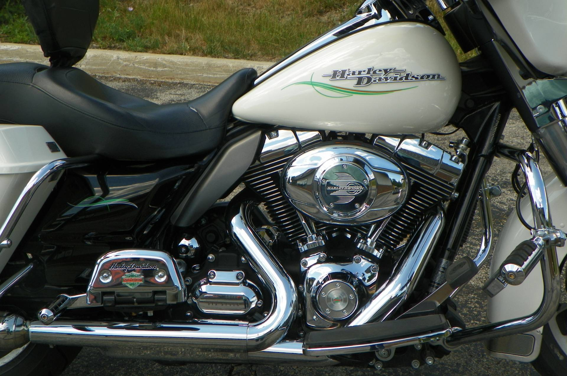 2011 Harley-Davidson Police Electra Glide® in Johnstown, Pennsylvania - Photo 2