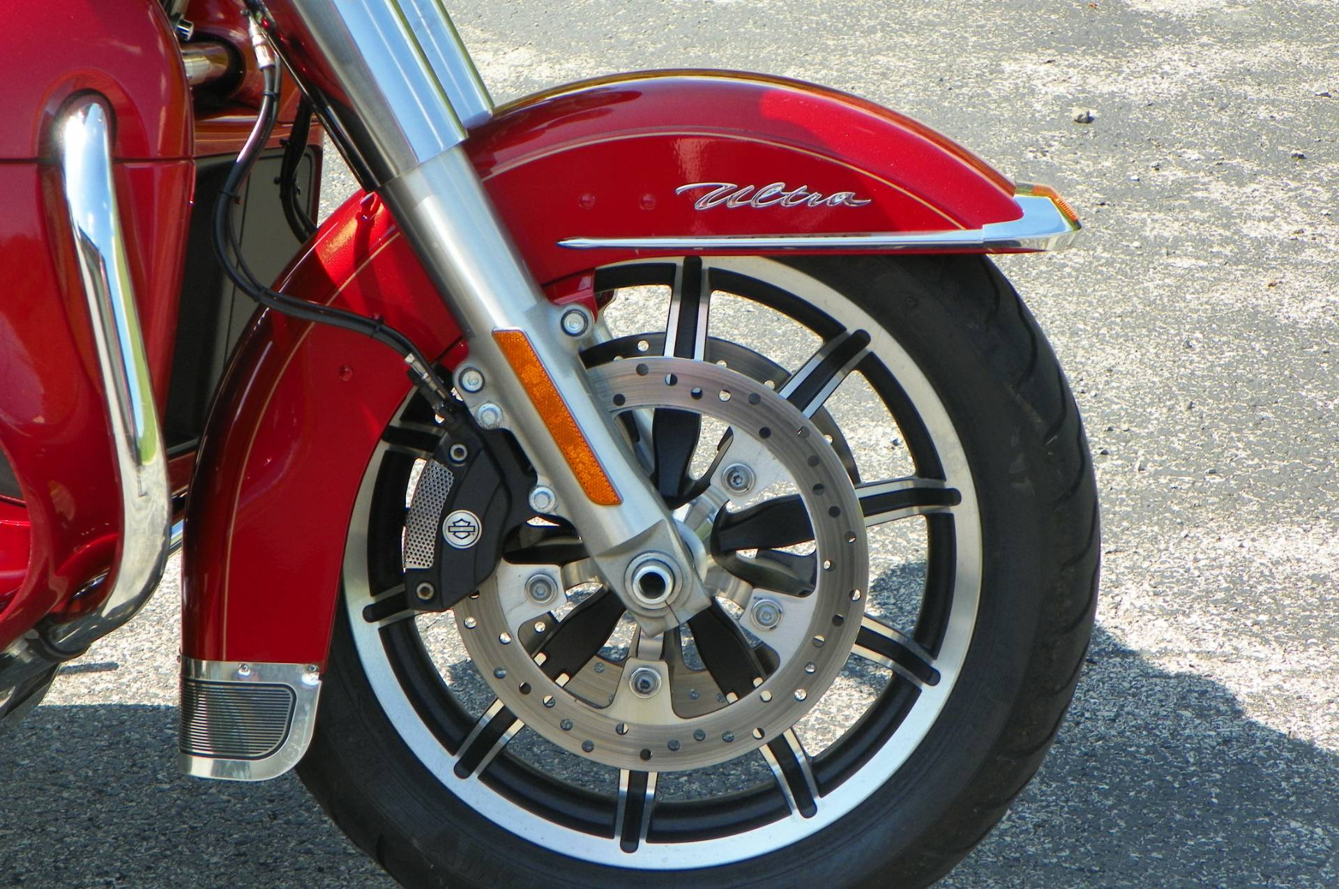 2014 Harley-Davidson Electra Glide® Ultra Classic® in Johnstown, Pennsylvania - Photo 3