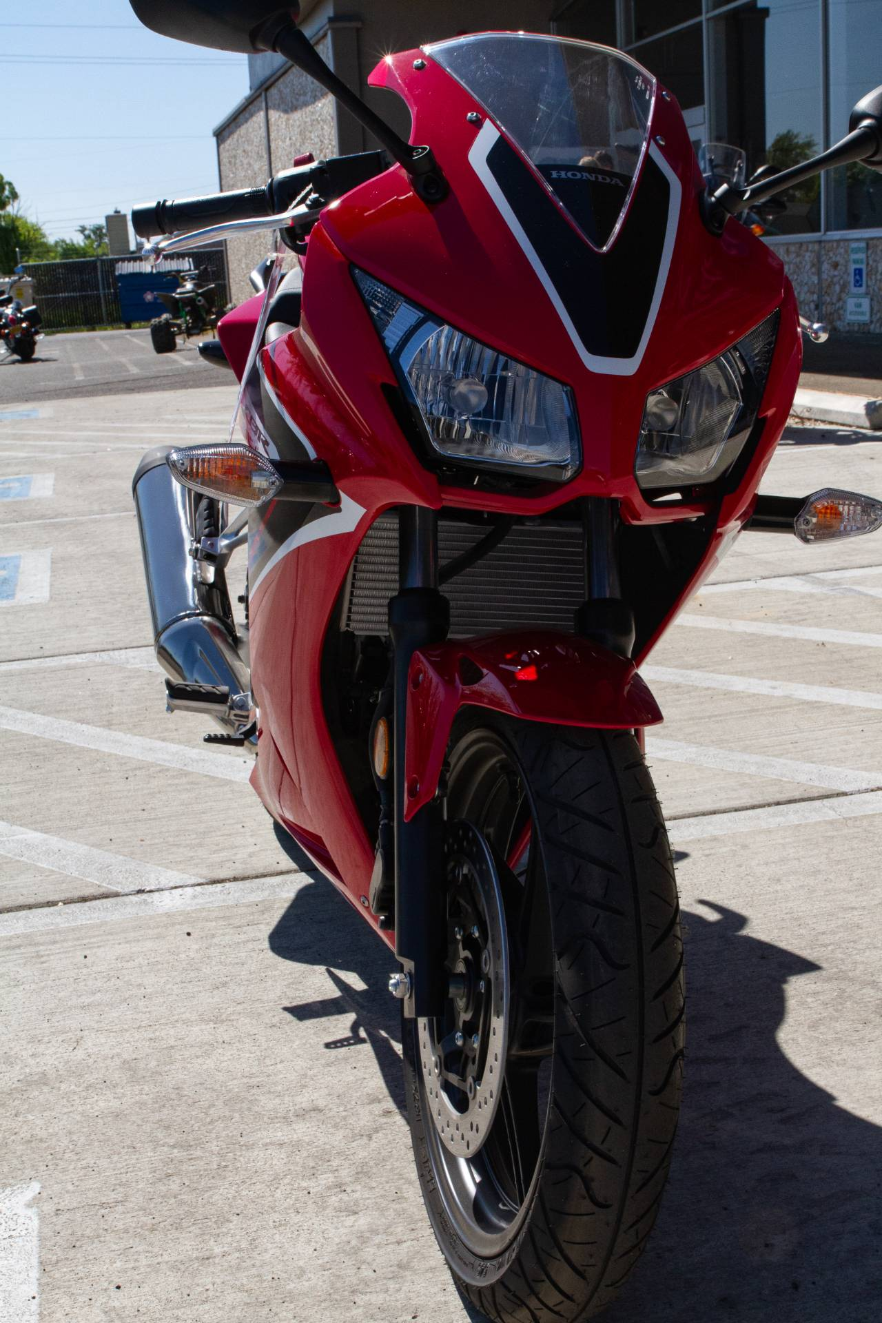 2018 Honda CBR300R in Albany, Oregon - Photo 2