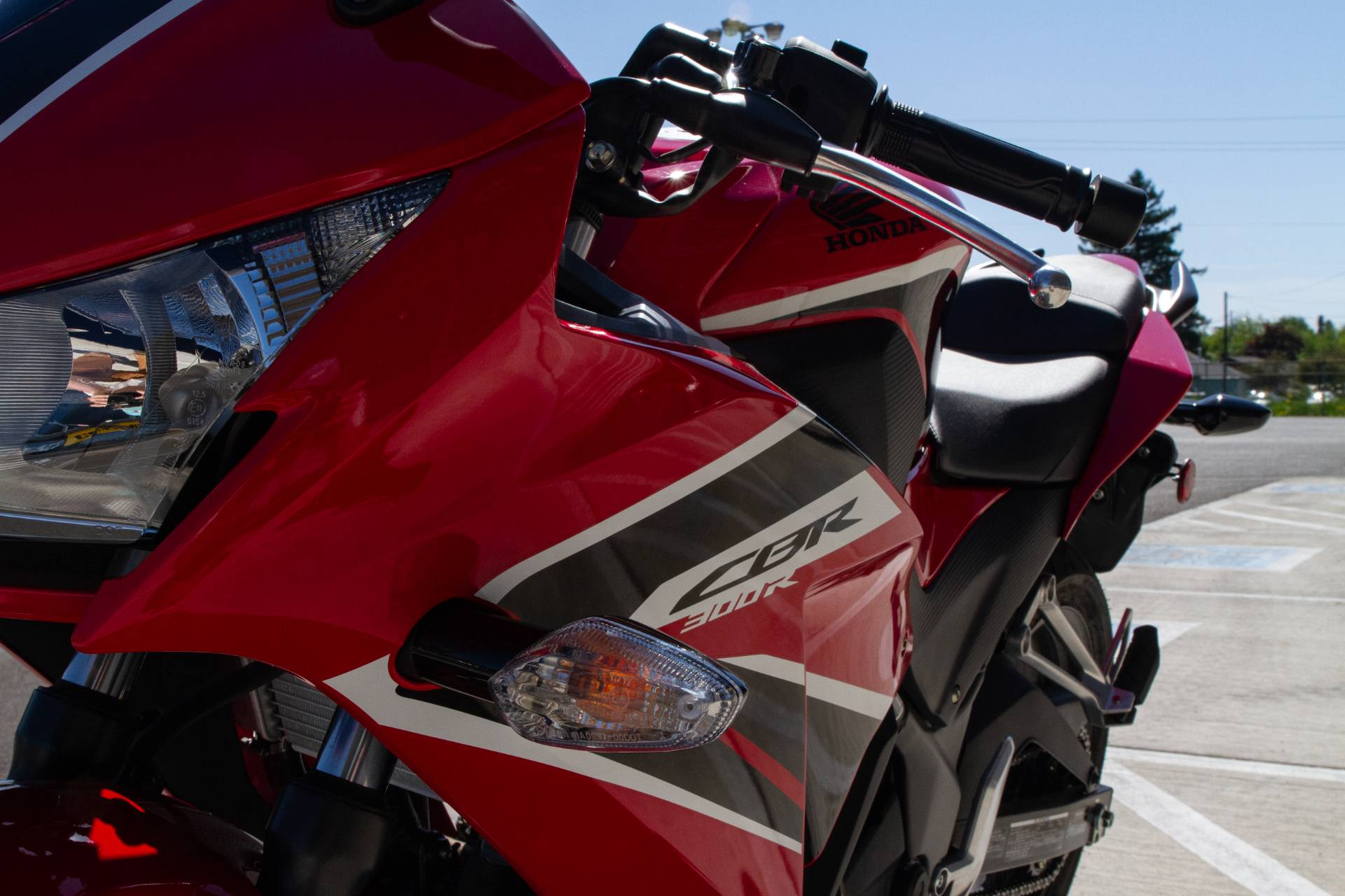 2018 Honda CBR300R in Albany, Oregon - Photo 3