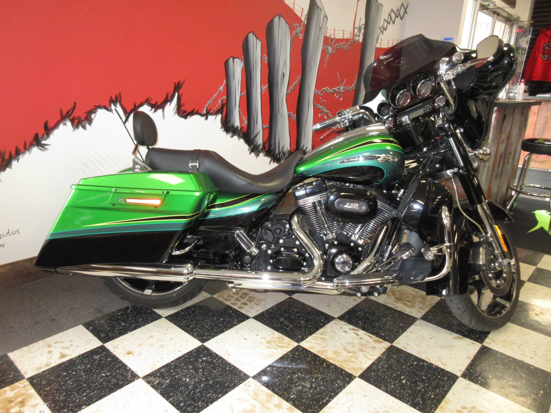 2011 Harley-Davidson CVO™ Street Glide® in Georgetown, Kentucky - Photo 1