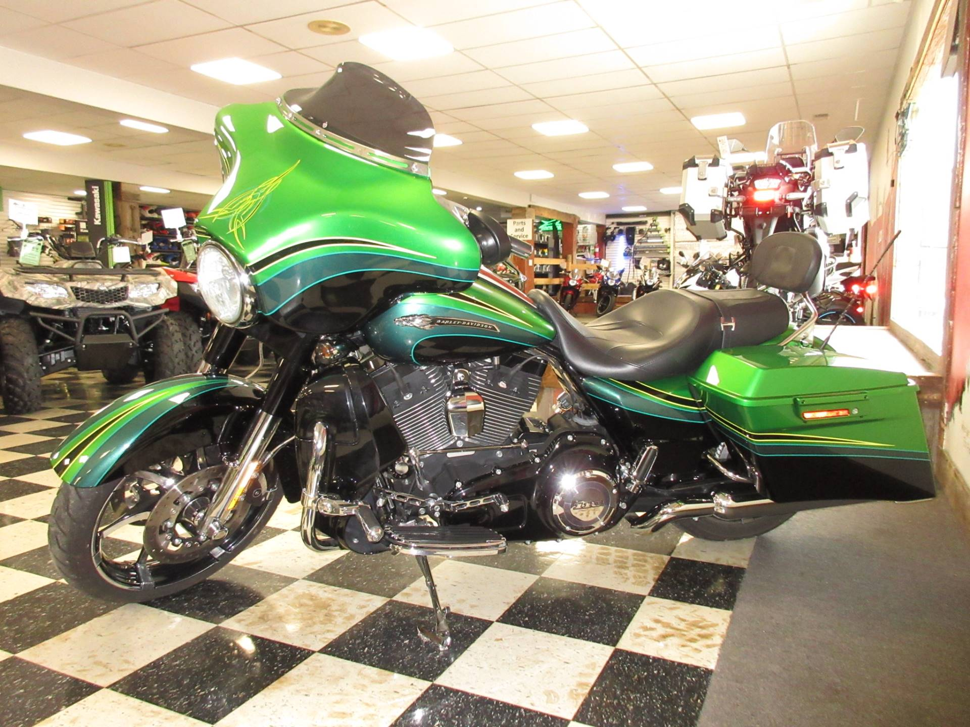 2011 Harley-Davidson CVO™ Street Glide® in Georgetown, Kentucky - Photo 3