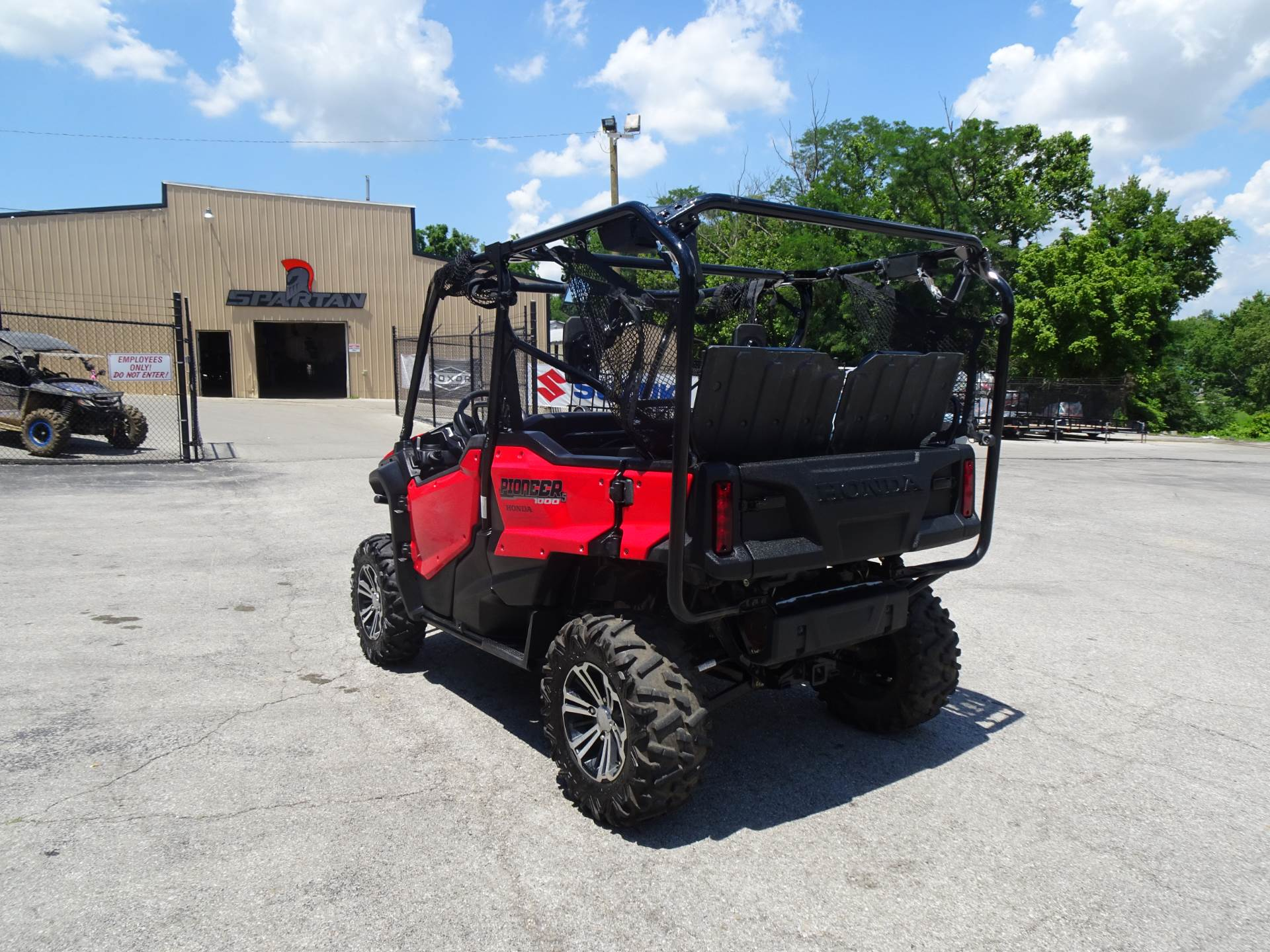 2018 Honda Pioneer 1000-5 Deluxe in Georgetown, Kentucky - Photo 5