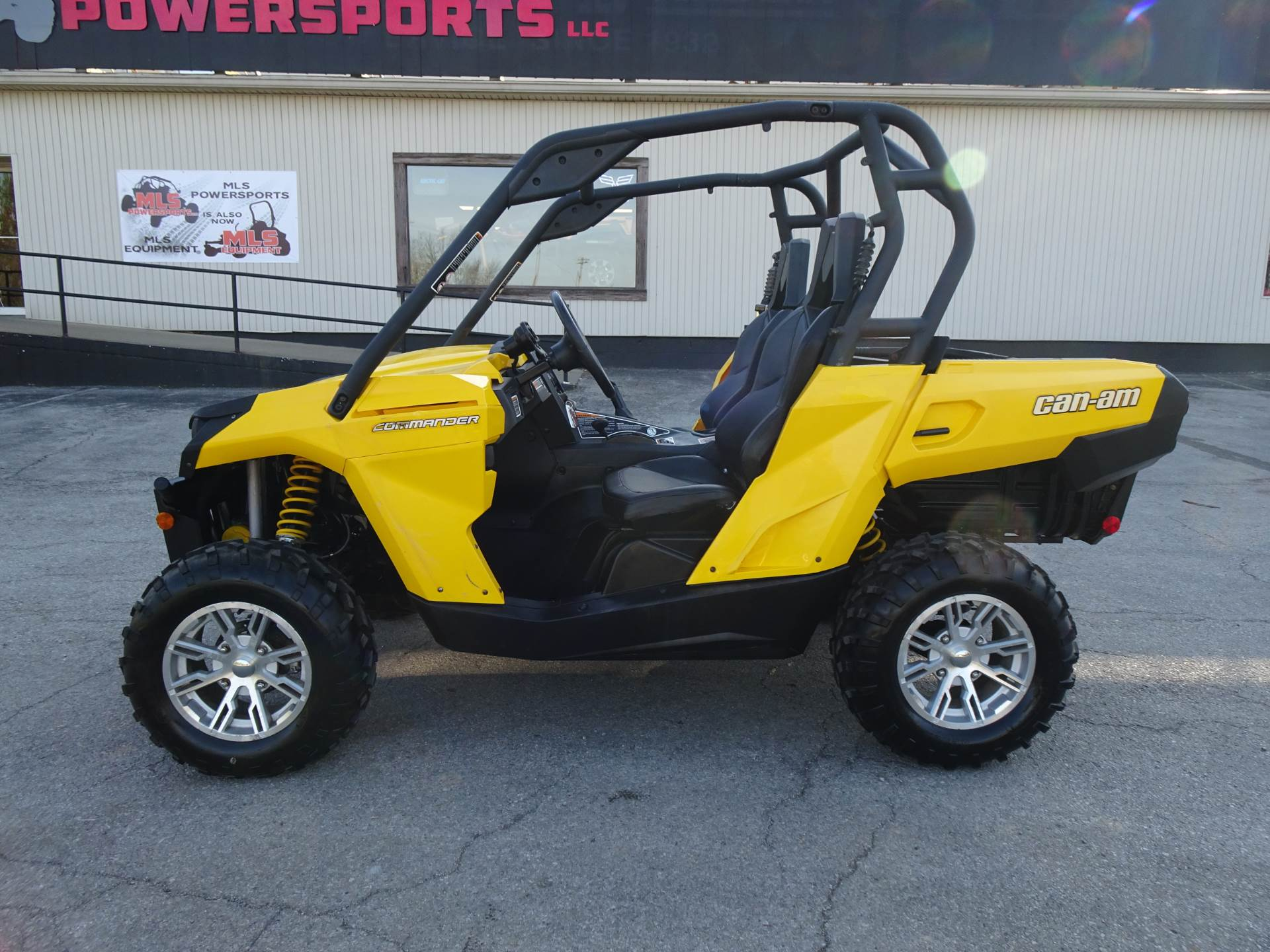 2013 Can-Am Commander™ DPS™ 800R in Georgetown, Kentucky