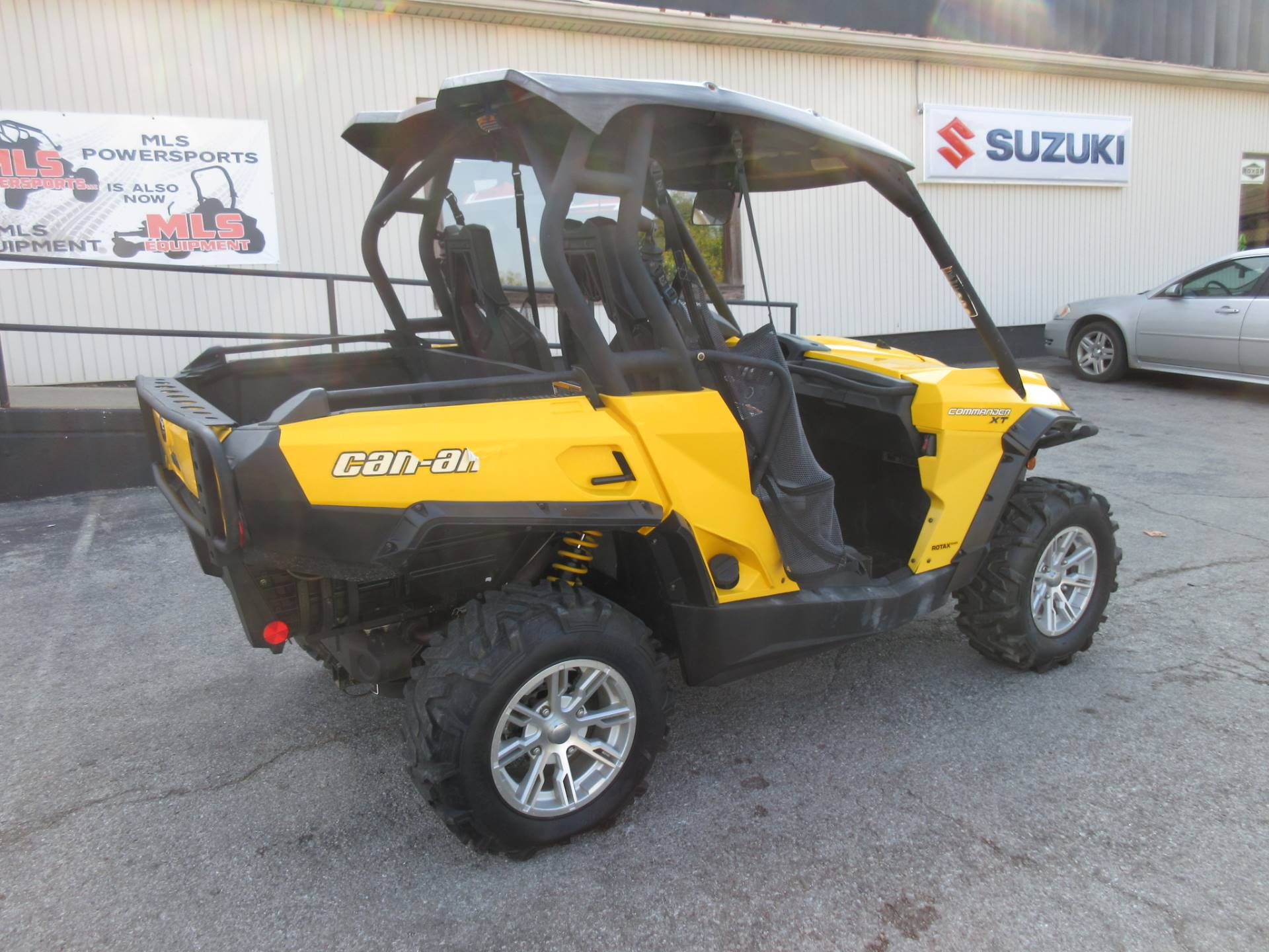 2014 Can-Am Commander™ XT™ 1000 in Georgetown, Kentucky - Photo 2