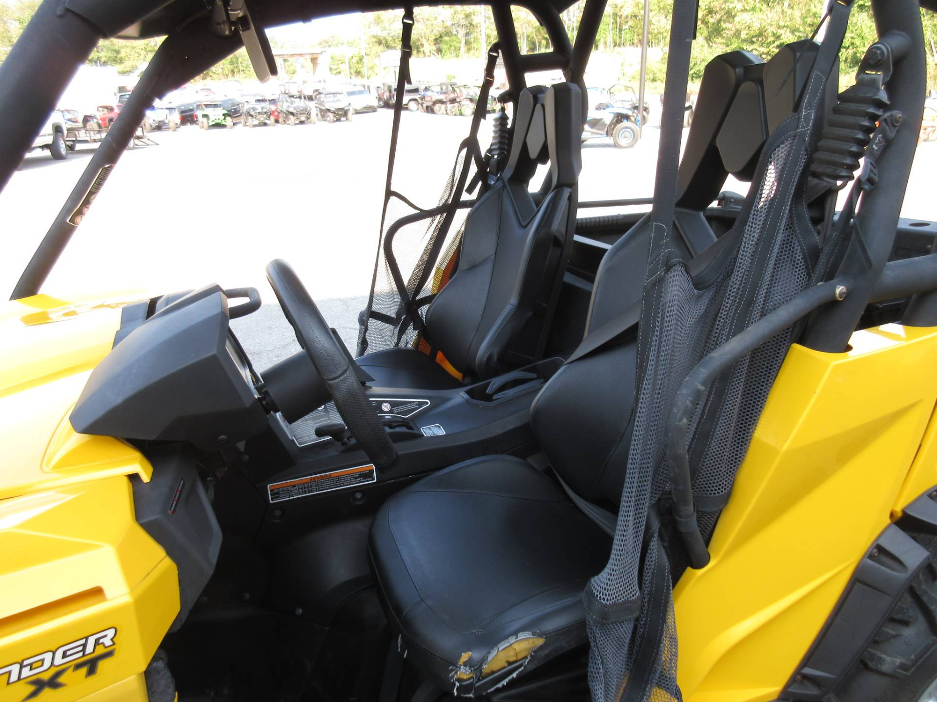 2014 Can-Am Commander™ XT™ 1000 in Georgetown, Kentucky - Photo 9