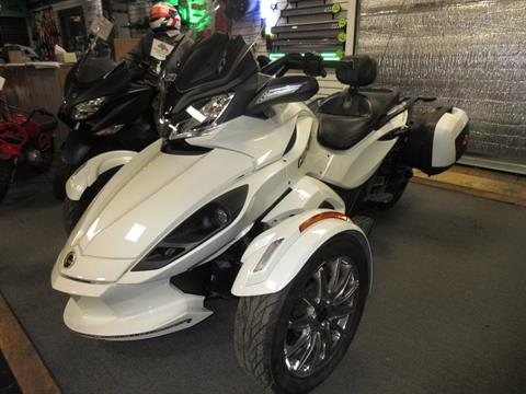 2013 Can-Am Spyder® ST Limited in Georgetown, Kentucky - Photo 1