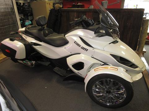 2013 Can-Am Spyder® ST Limited in Georgetown, Kentucky - Photo 4