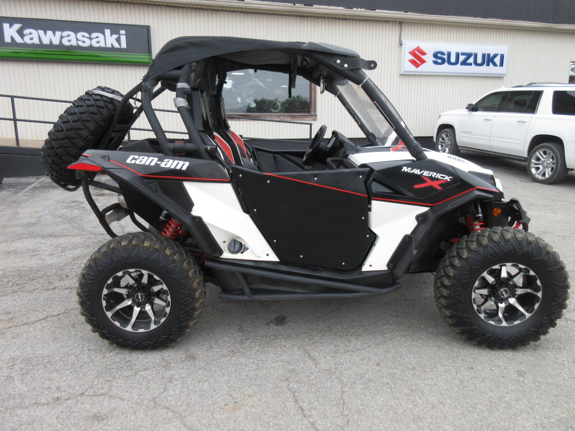 2015 Can-Am Maverick™ X® xc DPS™ 1000R in Georgetown, Kentucky - Photo 2