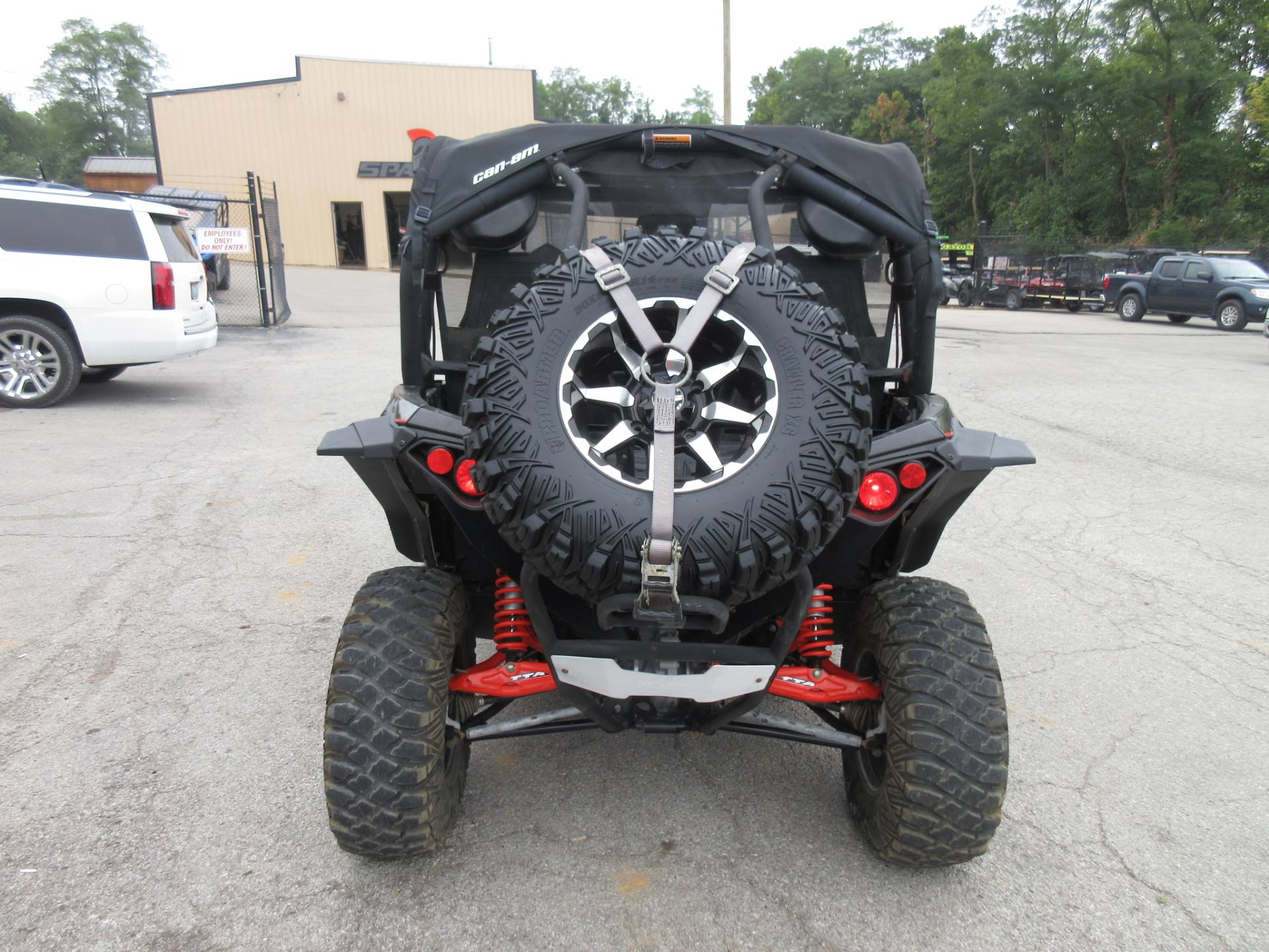 2015 Can-Am Maverick™ X® xc DPS™ 1000R in Georgetown, Kentucky - Photo 4