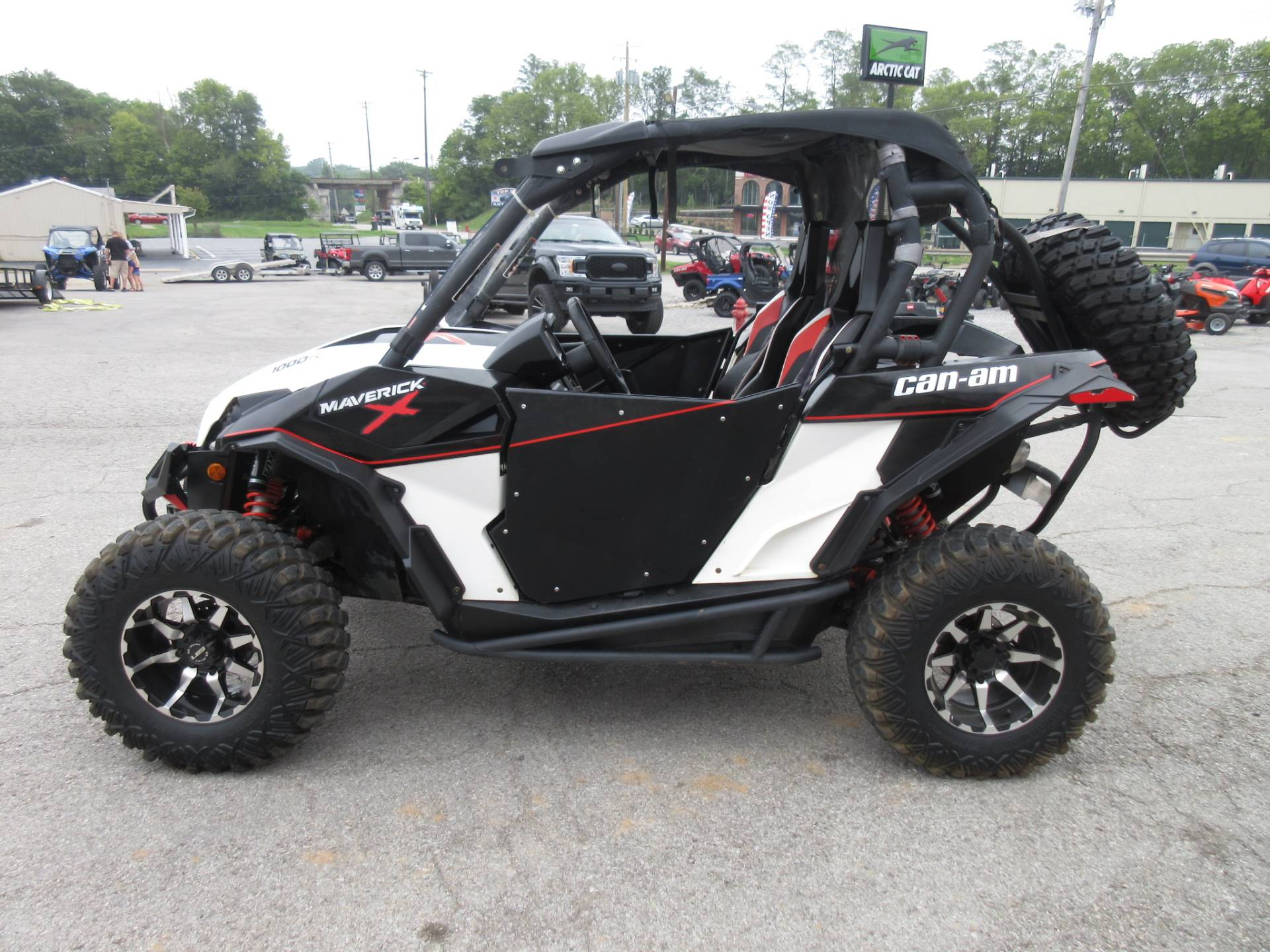 2015 Can-Am Maverick™ X® xc DPS™ 1000R in Georgetown, Kentucky - Photo 6