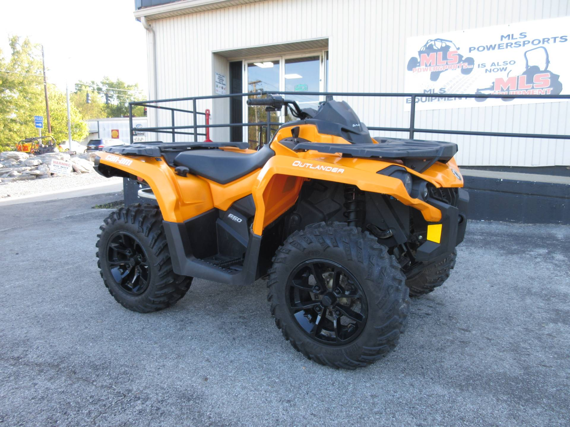 2018 Can-Am Outlander DPS 650 in Georgetown, Kentucky - Photo 1