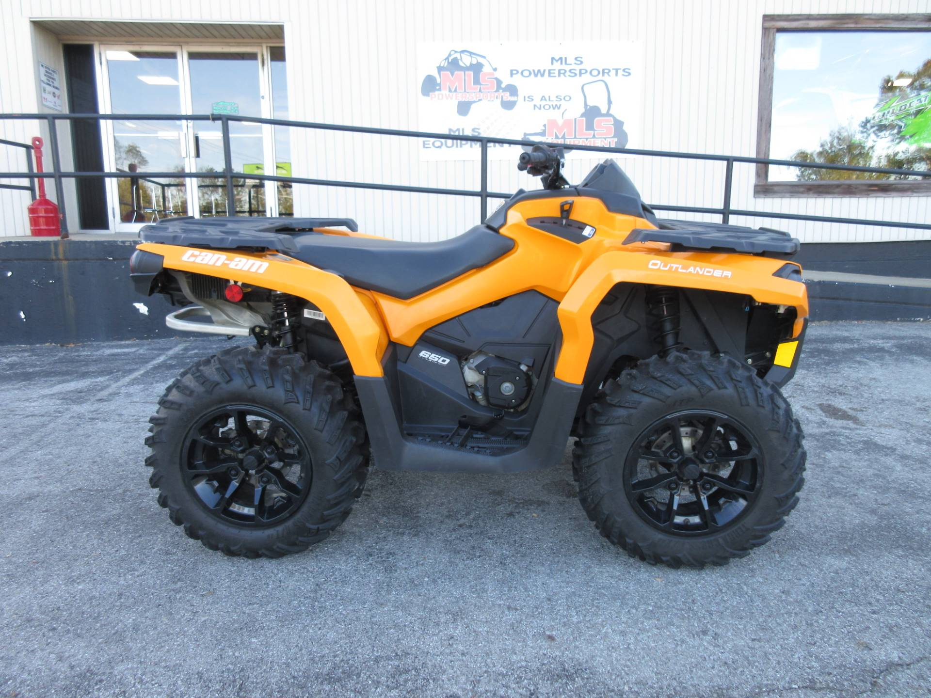 2018 Can-Am Outlander DPS 650 in Georgetown, Kentucky - Photo 2