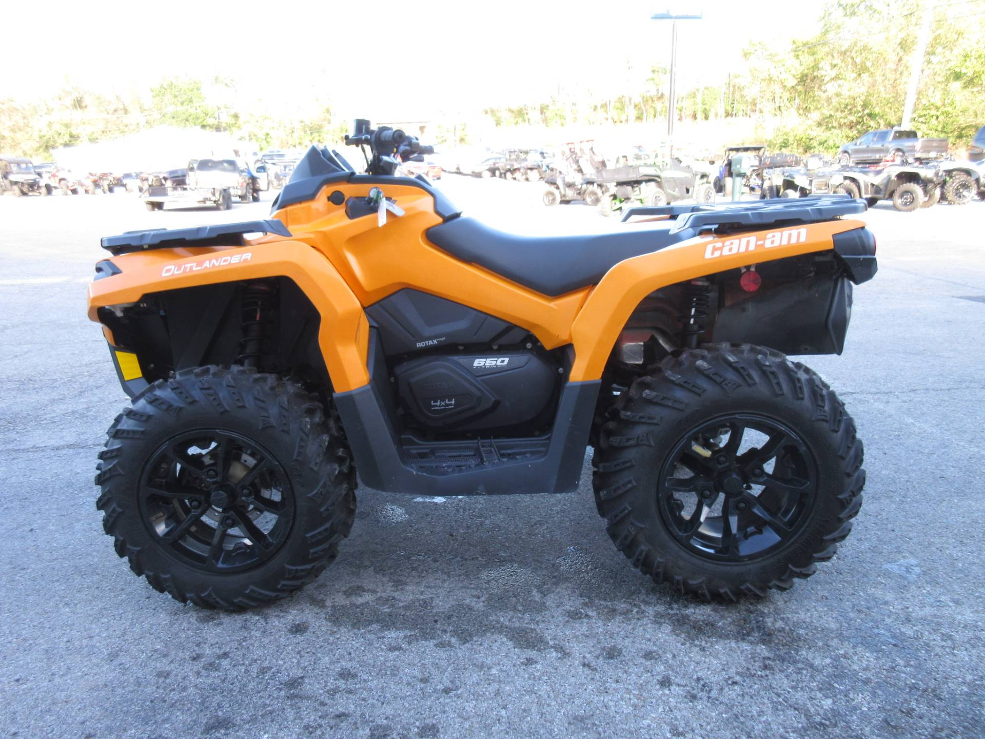 2018 Can-Am Outlander DPS 650 in Georgetown, Kentucky - Photo 6