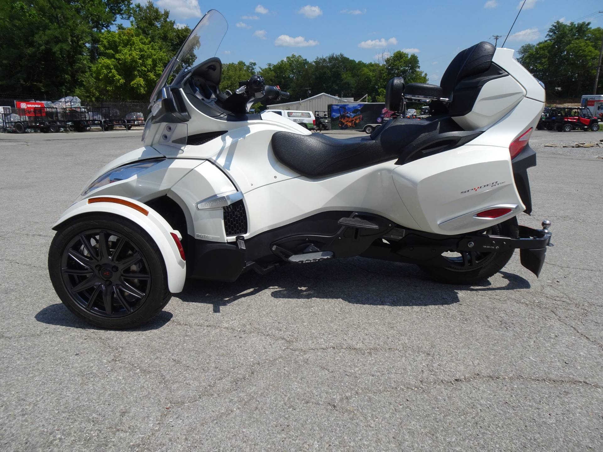 2014 Can-Am Spyder® RT-S SM6 in Georgetown, Kentucky - Photo 5
