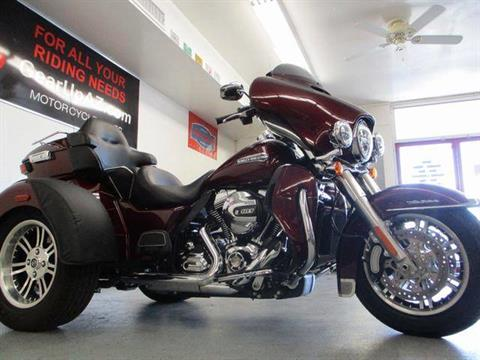 2015 Harley-Davidson Tri Glide® Ultra in Lake Havasu City, Arizona - Photo 16