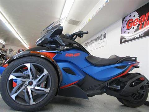 2015 Can-Am Spyder® ST-S SE5 in Lake Havasu City, Arizona