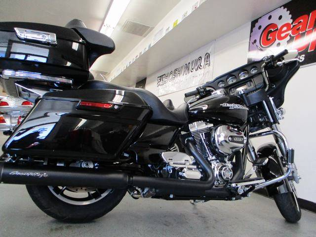 2016 Harley-Davidson Street Glide® in Lake Havasu City, Arizona - Photo 15