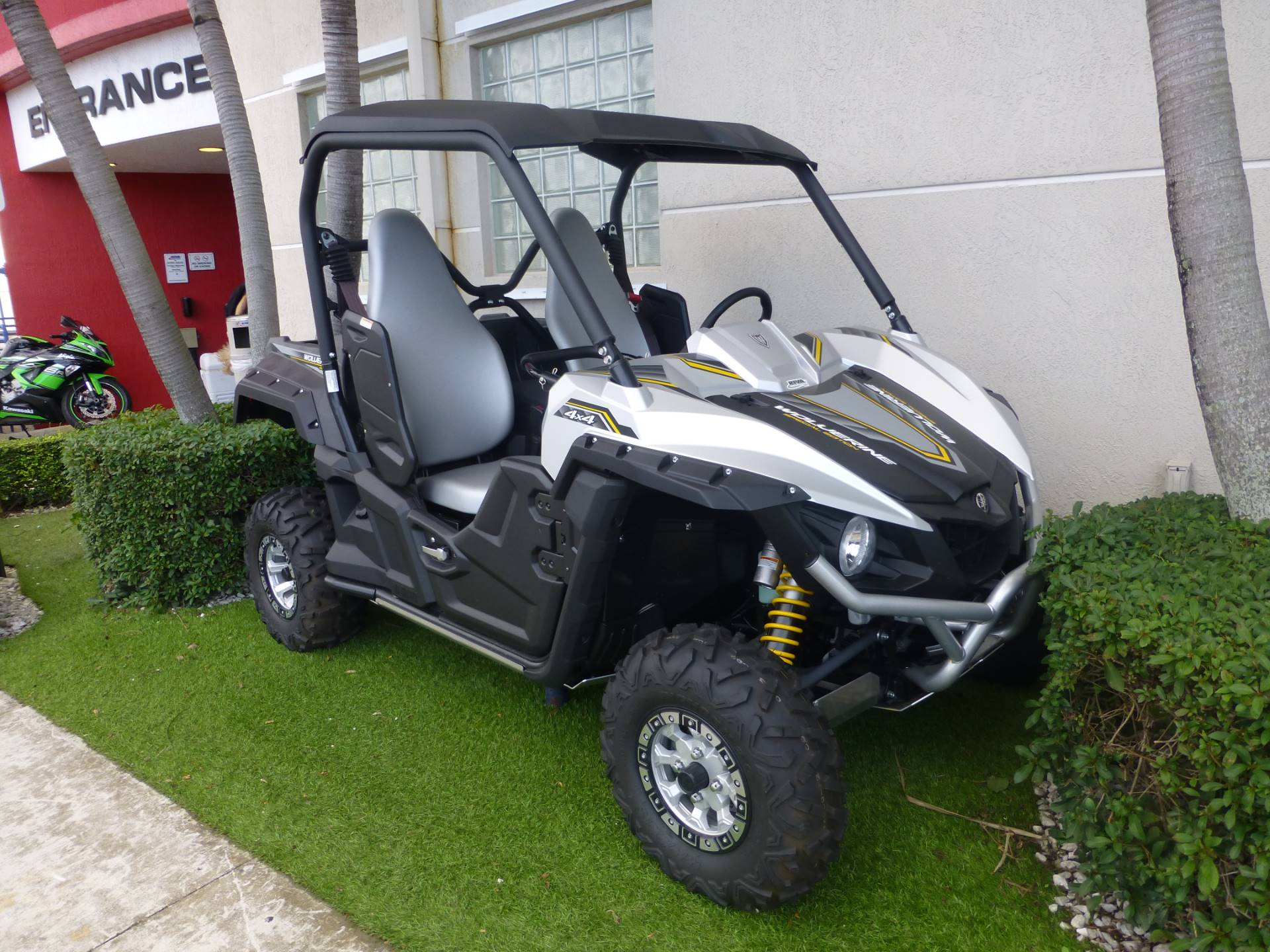 2017 Yamaha Wolverine R-Spec EPS SE in Pompano Beach, Florida