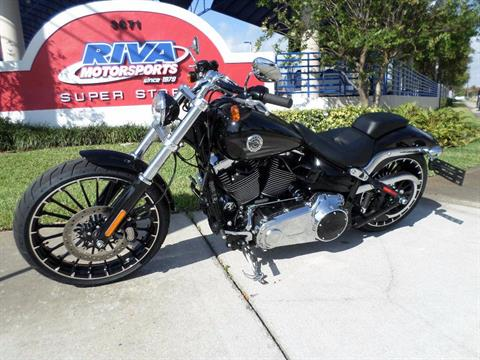 2017 Harley-Davidson Breakout® in Pompano Beach, Florida
