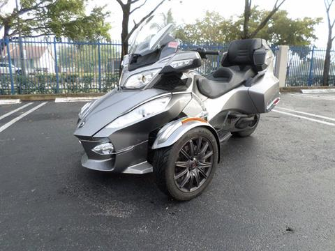 2013 Can-Am Spyder® RT-S SE5 in Pompano Beach, Florida