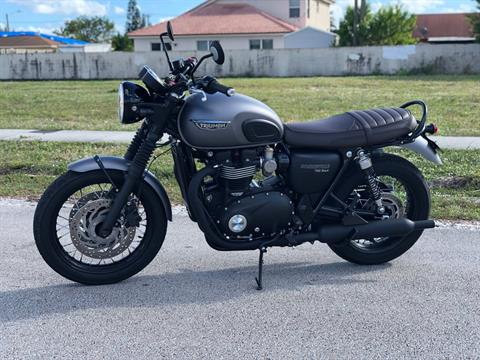 2018 Triumph Bonneville T120 Black in Pompano Beach, Florida