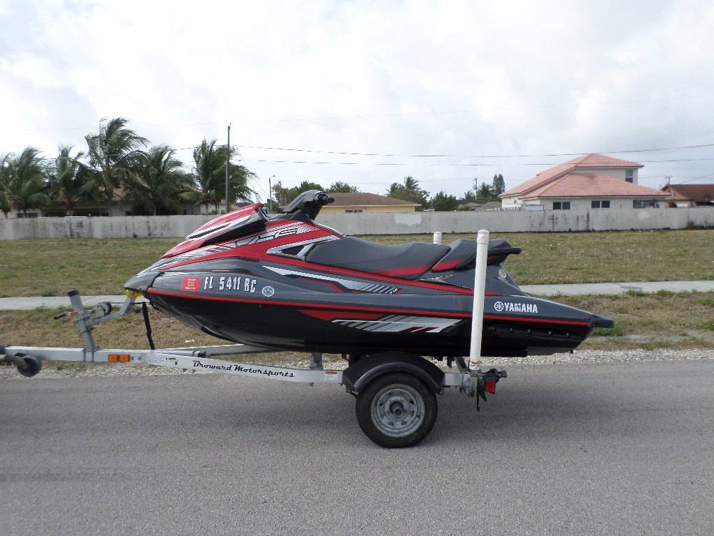 2016 Yamaha VXS in Pompano Beach, Florida