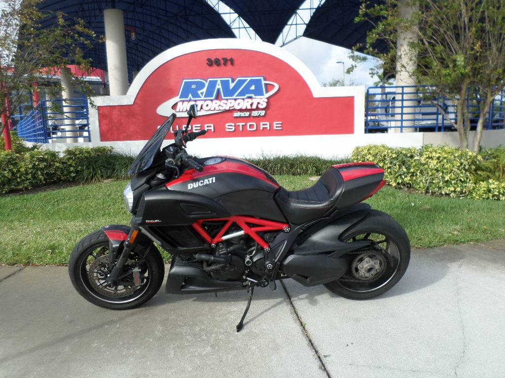 2015 Ducati Diavel Carbon in Pompano Beach, Florida