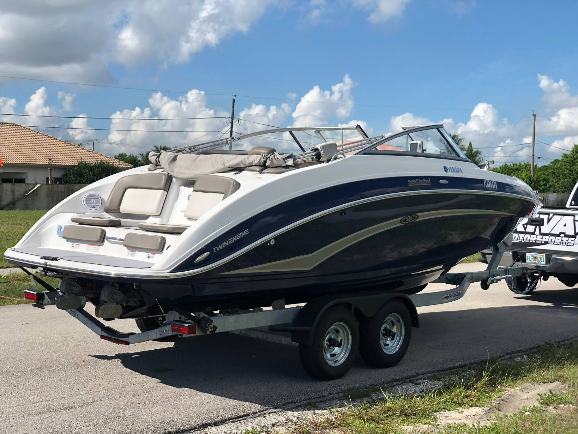 2012 Yamaha 242 Limited in Pompano Beach, Florida