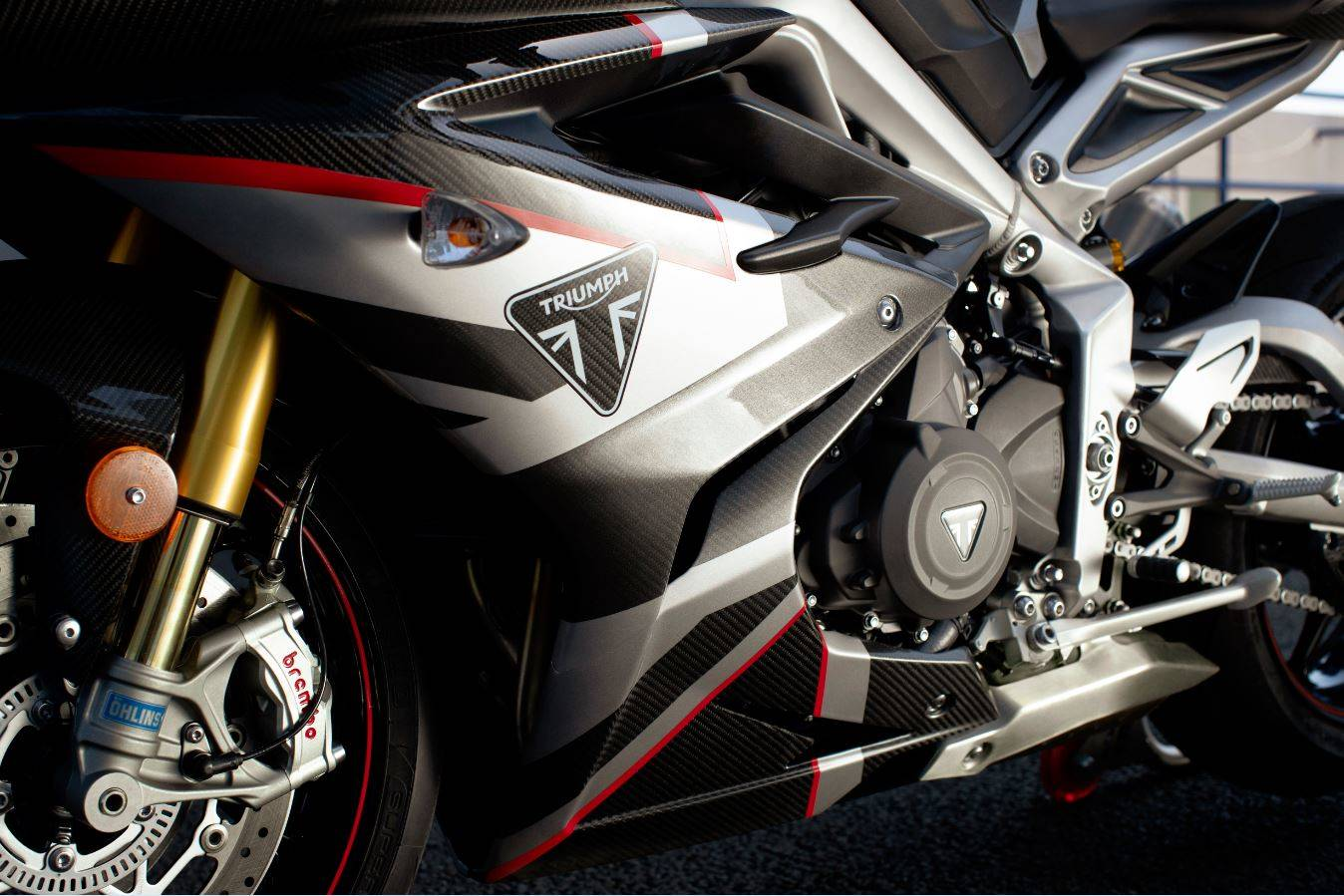 2020 Triumph Daytona Moto2TM 765 Limited Edition in Mahwah, New Jersey - Photo 2