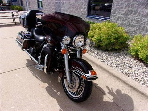 2011 Harley-Davidson Ultra Classic® Electra Glide® in Beaver Dam, Wisconsin - Photo 3