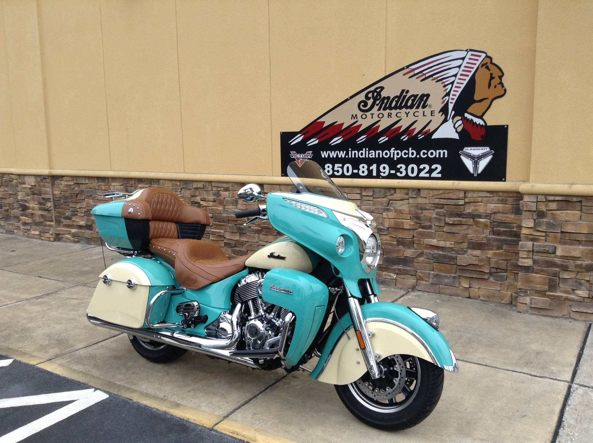2020 Indian ROAD MASTER ICON SERIES in Panama City Beach, Florida - Photo 2