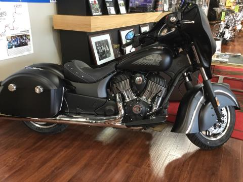 2017 Indian CHIEFTAIN DARK HORSE in Panama City Beach, Florida