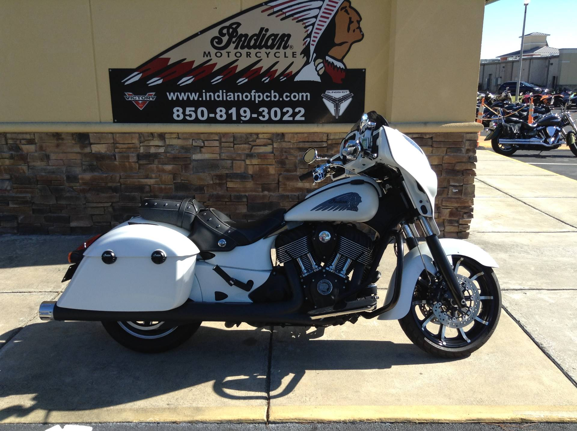 2017 Indian CHIEFTAIN in Panama City Beach, Florida - Photo 1