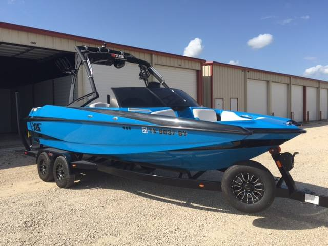 2013 Axis A22 in Conroe, Texas