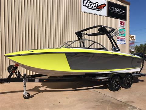2018 TIGE R22 in Conroe, Texas