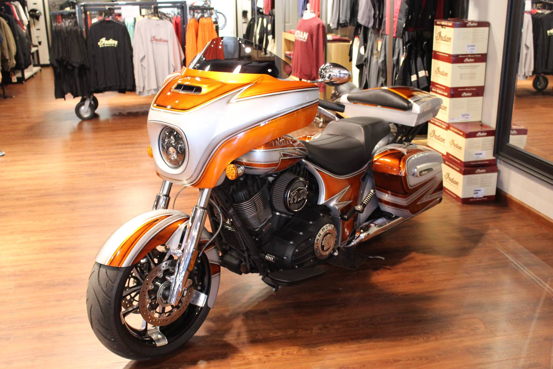 2019 Indian Chieftain® ABS in Murrells Inlet, South Carolina - Photo 5